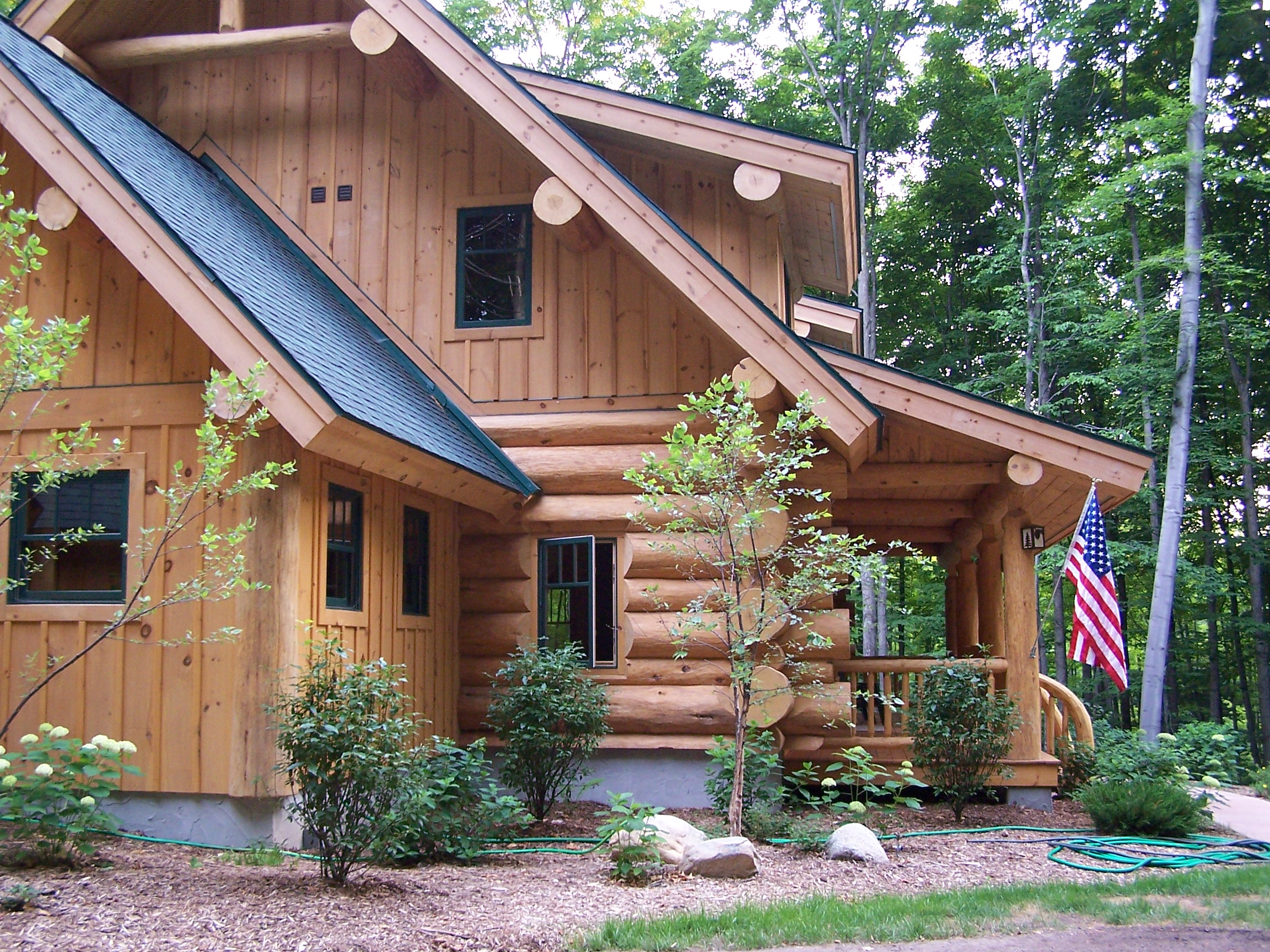 Custom handcrafted log homes gallery timber wolf for Home builders contractors