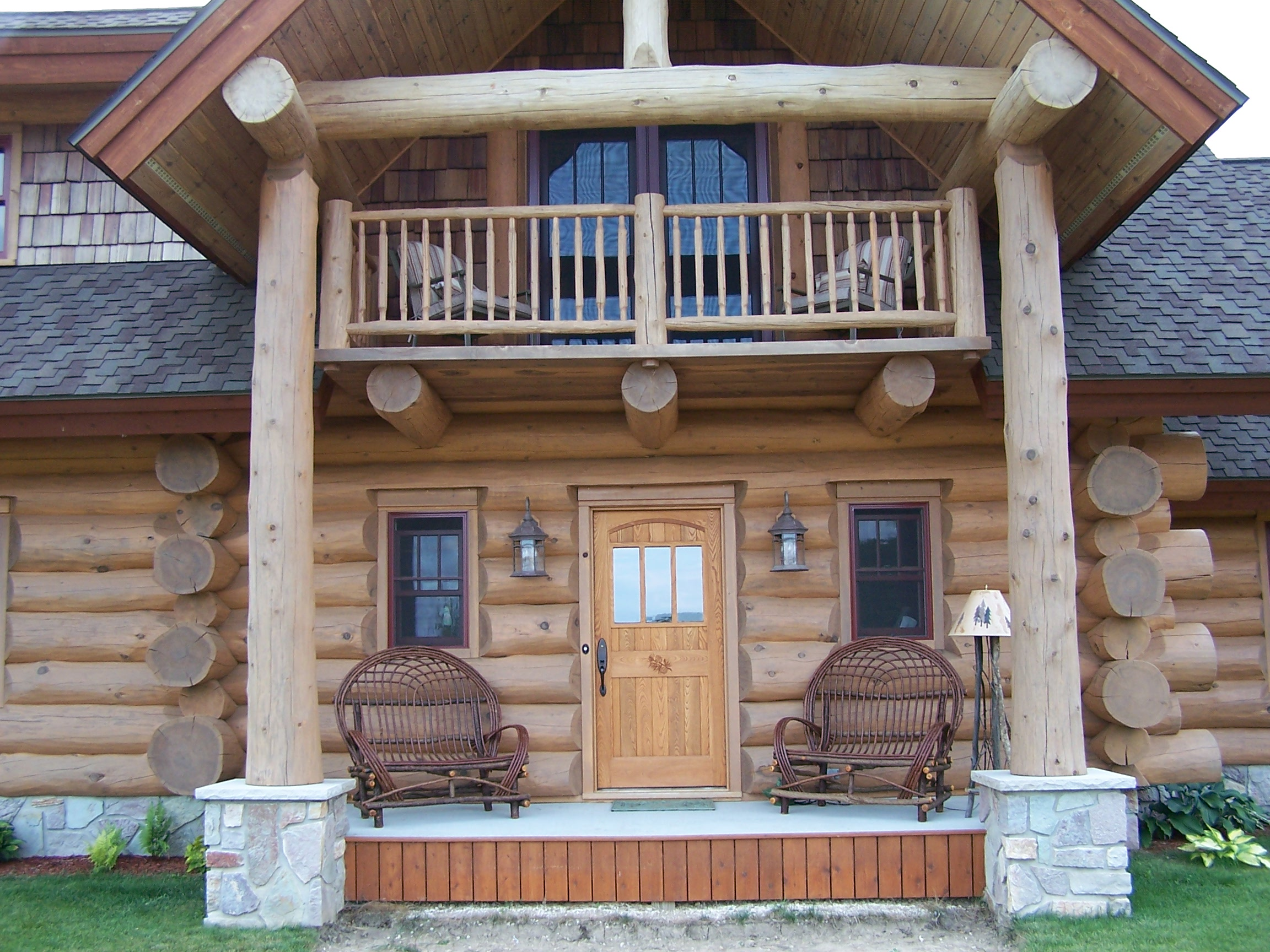 Photo gallery timber wolf handcrafted log homes inc for Home builders contractors