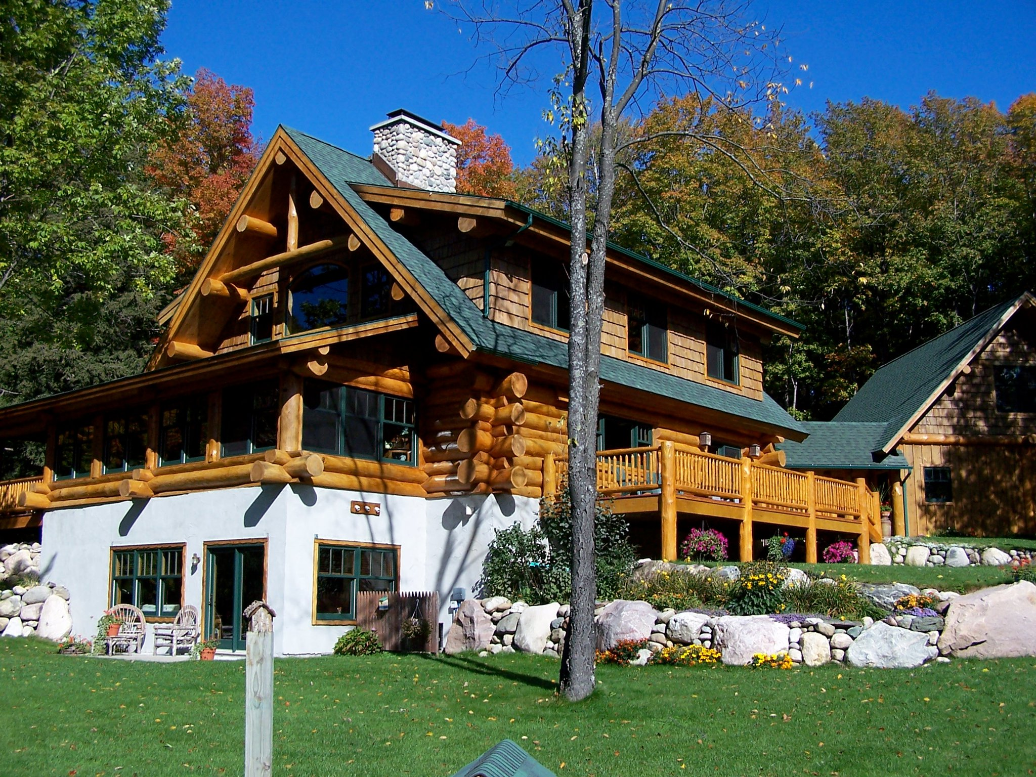 Silver creek lodge timber wolf handcrafted log homes inc for Lodge style homes