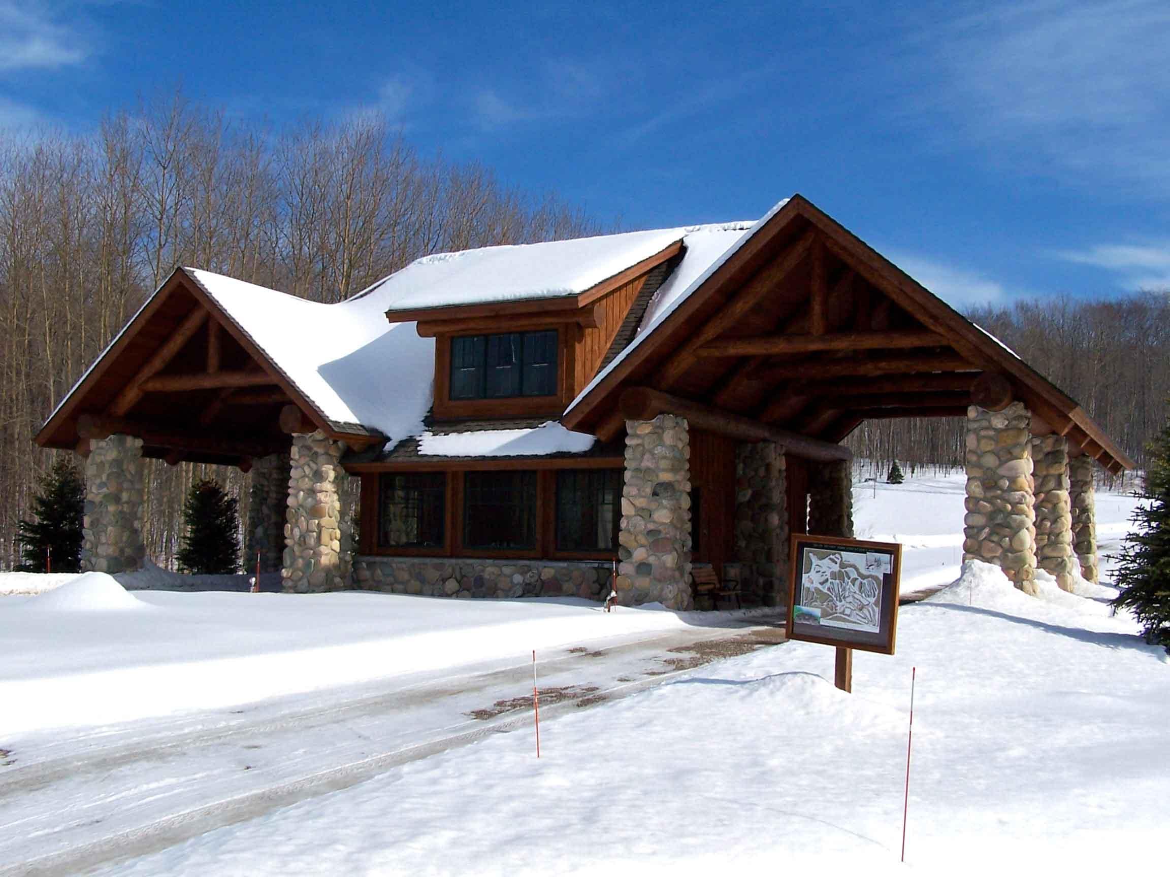custom log cabin entrance